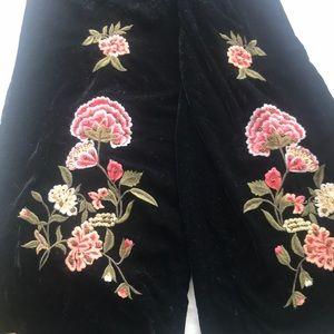 Zara embroidered flower velvet pants!